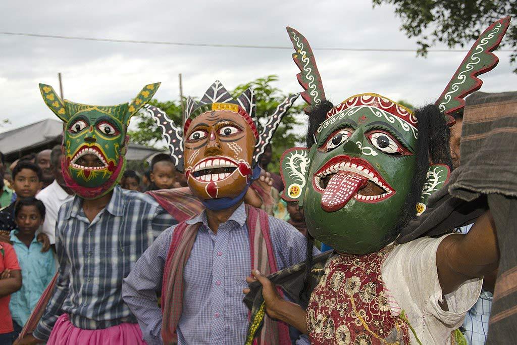 Gomira Masks